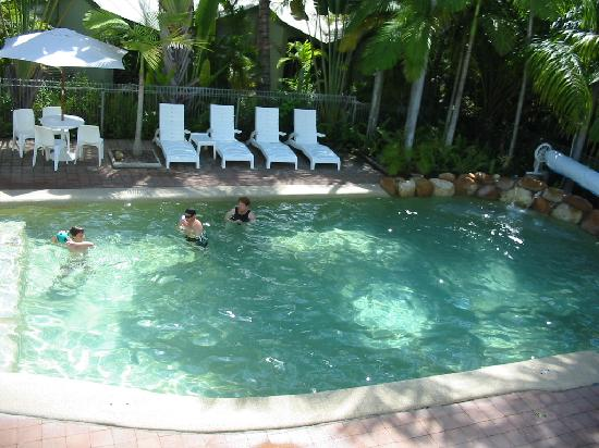 Magnetic Island, Australia: Mum and the kids in the pool.