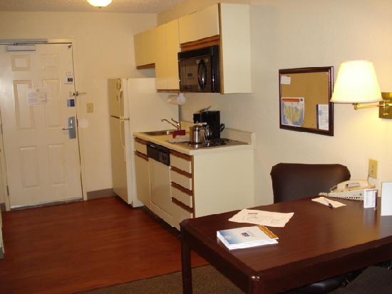 Candlewood Suites Somerset: Kitchen