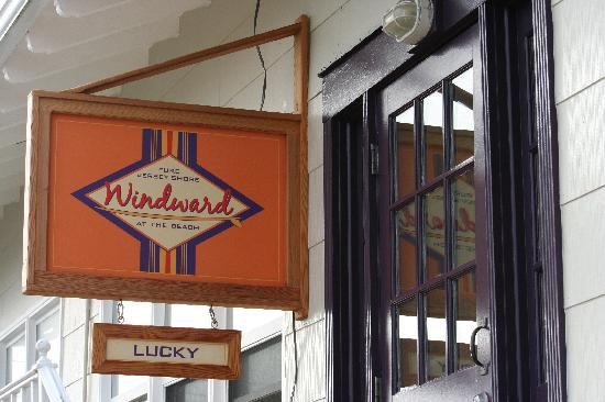 You're in LUCK - a vacancy! Windward at the Beach