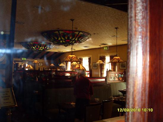 Seven Oaks Hotel: The dining room