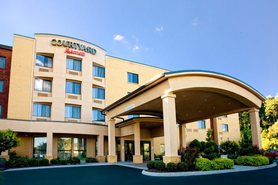 Courtyard by Marriott Blacksburg: Entrance