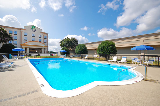 Photo of Holiday Inn Express & Suites Fredericksburg