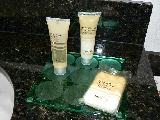 Hyatt Place Colorado Springs: Bathroom Goodies