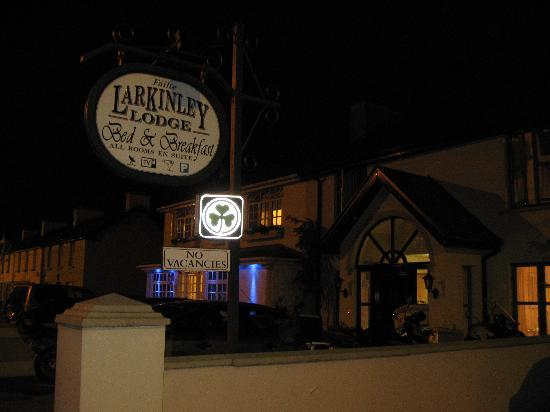 Larkinley Lodge by night
