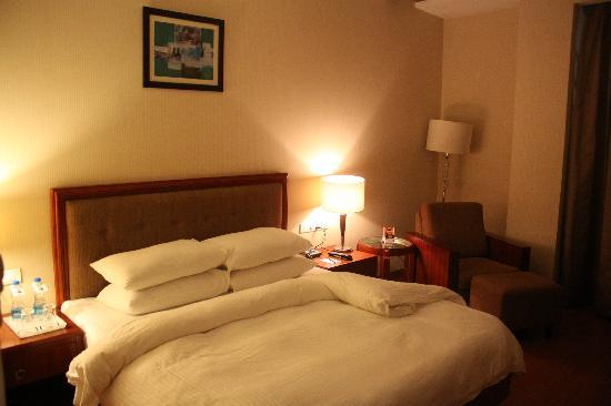 HK Clarks Inn: Comfortable &amp; Neat Room