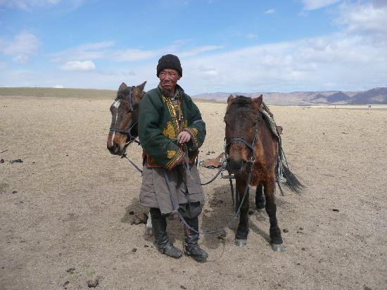 Oulan-Bator, Mongolie : Mongolian Horse Wrangler 