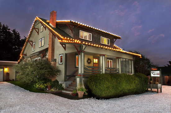Craftsman Bed and Breakfast: The Craftsman B&B in the tiny Oregon Coast town of Pacific City.