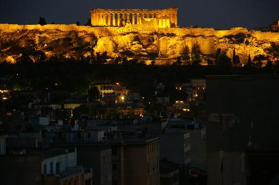 Fresh Hotel: view of the Acropolis from the hotel rooftop bar