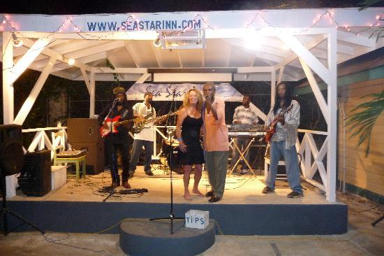 Seastar Inn: Saturday Night Entertainment