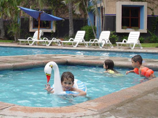Villas El Rancho Green Resort: familia