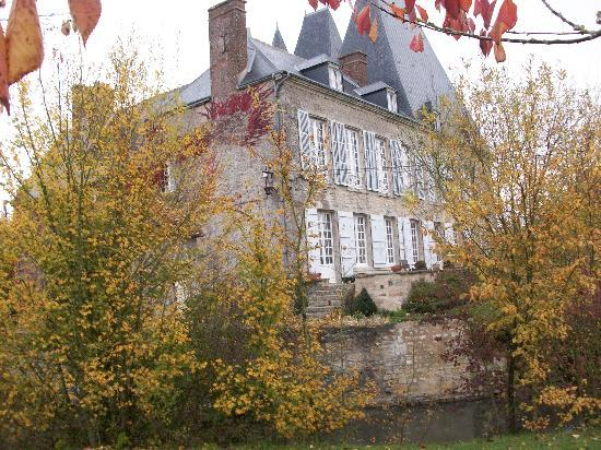 chateau villiers essay And here is our take on 5 superb chateaux hotels: chateau de villiers essay,  chateau la tortiniere, chateau du thil at sources de caudalie,.