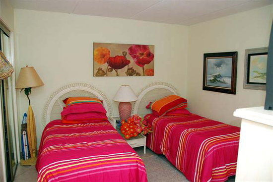 Sea Breeze Resort: 2ND BEDROOM 3RD TV 2 BATHROOMS