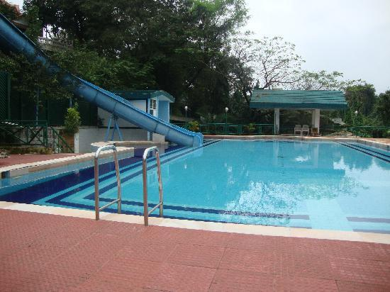Swimming pool at velvett country picture of lonavala maharashtra tripadvisor for Resorts in khandala with swimming pool