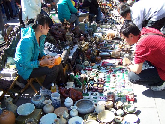 Beijing Antique Market – For the love of all things old