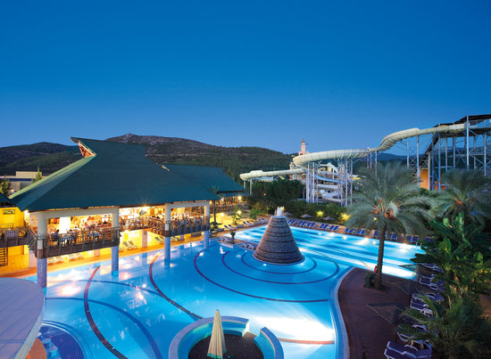 Aquafantasy Aquapark Hotel & SPA: Club Hotel Tropicano Pool and The Park Tower