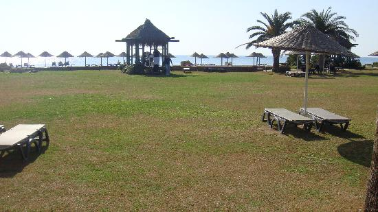 Barcelo Tat Beach &amp; Golf Resort: bakml bahce