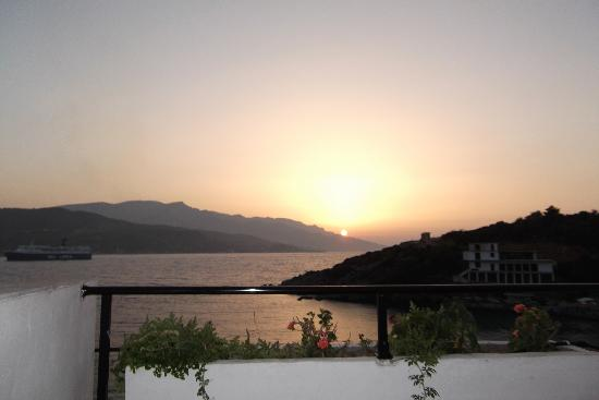 Samos Town, Griechenland: Sunset on our balcony