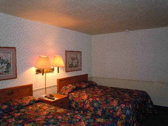 Manti Country Village Motel: beds