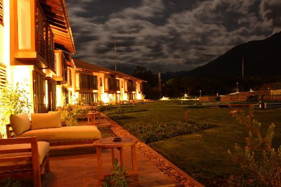 Tambo del Inka, a Luxury Collection Resort & Spa: Tambo del Inka Resort - Delux Room, Patio (Night View)