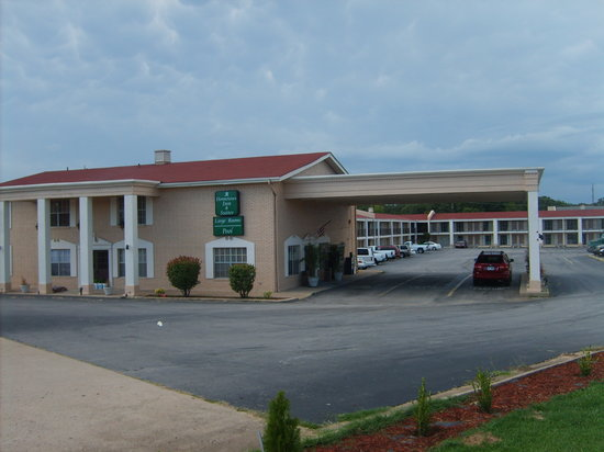 Photo of Hometown Inn & Suites Fort Smith
