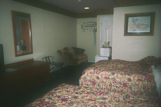 Paddlewheel Motel: room 10 upstairs on the end