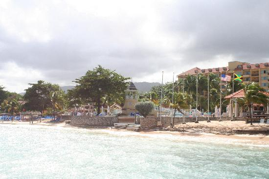 The Jewel Dunn's River Beach Resort & Spa: View from the pier