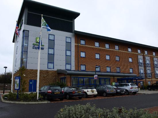 Holiday Inn Express Banbury M40 Jct.11: building