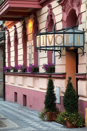 Tivoli Hotel Prague: Entrance