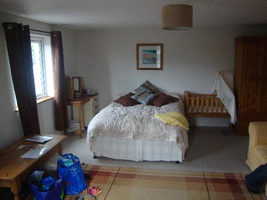 Millbatch Farm: Large Family Bedroom 2