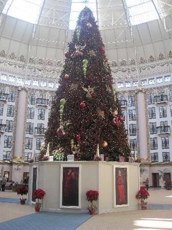 West Baden Springs, IN: Christmas tree in dome area