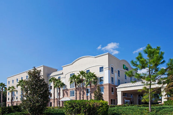 Holiday Inn Express Hotel & Suites Clearwater / US 19N: Welcome