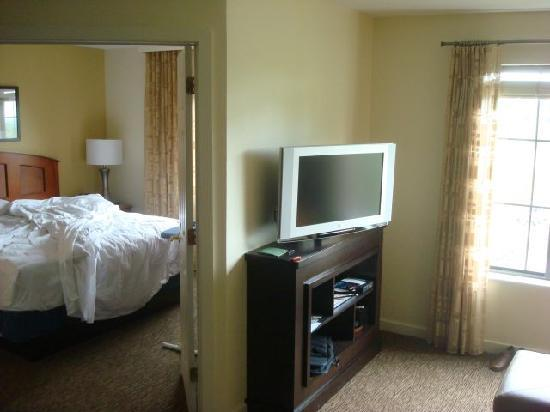 HYATT house Morristown: living room