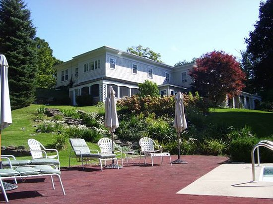 Stockbridge Country Inn: Stockbridge MA Bed and Breakfast
