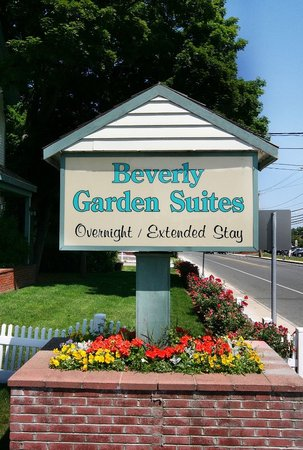 Beverly Garden Suites