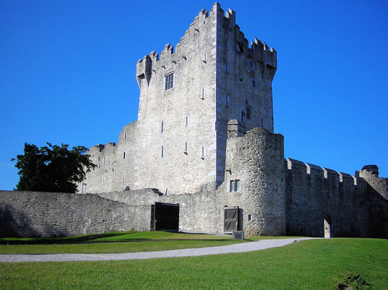 , : ross castle - killarney