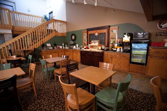 AmericInn Lodge & Suites Sartell: Breakfast
