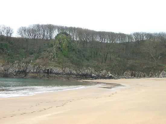 Stackpole, UK: Barafundle, on not such a sunny day
