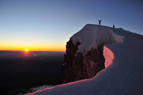 Hood River, Орегон: Mt. Hood Summit Sunrise Over the Gorge