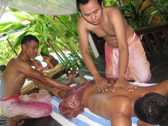 Kerobokan, Endonezya: Four hands massage