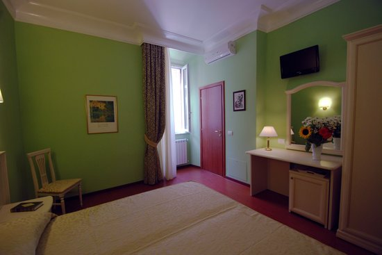 Adriana e Felice - Rooms in Rome: the Green Room