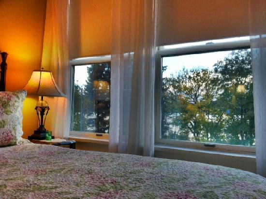Greenlake Guest House: On the lakefront