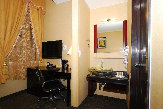 Quality Inn Downtown Baltimore: Work area