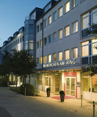 ‪NH Apartments Munchen Am Ring‬
