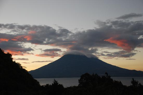 Vulcano Lodge: Sunset from the Suite