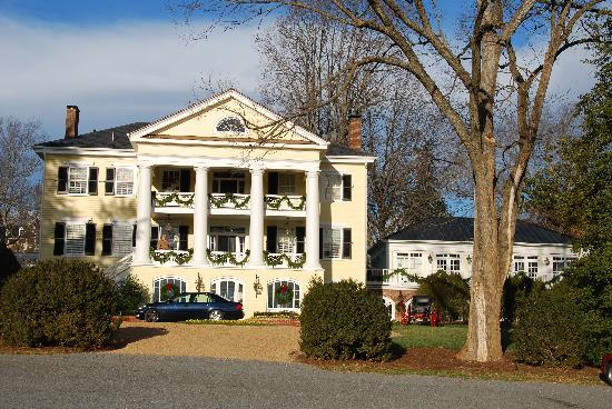 Orange, VA: Front view of the Inn