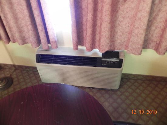 Super 8 Kimball: Heater/AC Unit