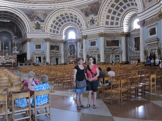 mosta dome 3rd largest in the world right in malta rotunda church of st mary pictures. Black Bedroom Furniture Sets. Home Design Ideas