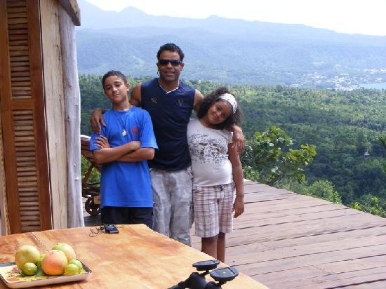 Portsmouth, Dominica: My family admiring the amazing views