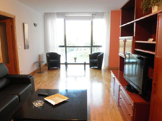Gestion de Alojamientos Rooms &amp; Apartments: Saln apartamento 2