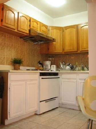 Orchard Guesthouse: kitchen